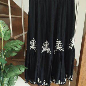 🌼 Bali vtg. boho embroired black maxi skirt